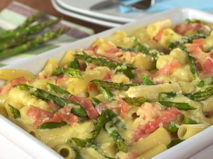 Pasta agli asparagi e prosciutto